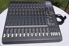 16X-CHANNEL-MAKIE-1642-PRO-AUDIO-MIXER-1