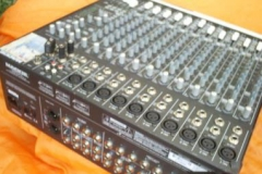 16X-CHANNEL-MAKIE-1642-PRO-AUDIO-MIXER-2