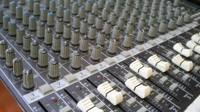 AUDIO MIXERS 16X CHANNELS – Mackie 1642-VLZ PRO Mixer